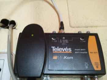 Antenista san fernando instalaciones antenas tv en c diz for Amplificador tv cable coaxial